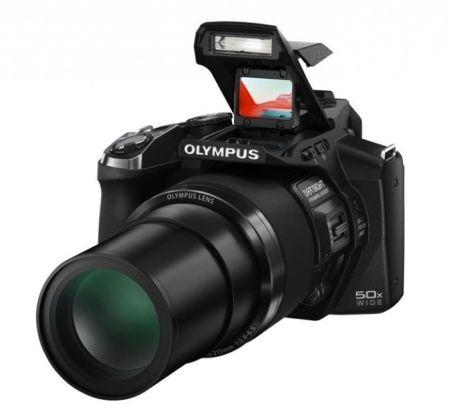 La Olympus SP-100EE te hace sentir como un fotógrafo francotirador con su mira telescópica