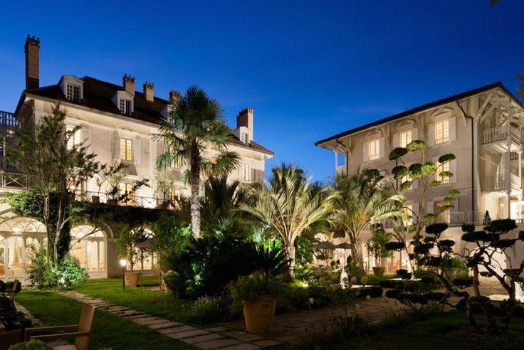 Region Aquitanien, Les Landes, das Hotel Les Prés d'Eugénie erwartet Sie hier in einer bezaubernden Landschaft. Das Mitgliedhotel von Relais & Châteaux stellt ein familiäres Anwesen mit wunderbarem Garten, herrlicher Küche und Wellness-Zentrum dar... Geniessen Sie die Kunst des Reisens mit Bontourism®.