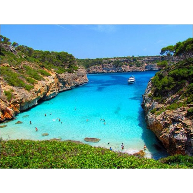 Mallorca - it's impossible not to love it here. Mussels, tortillas, rose, fish. What yummy memories