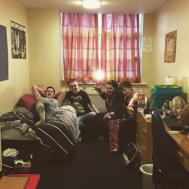 #StudentSnap Making themselves at home in Stephenson Student Accommodation | Northumbria University | #NUHalls