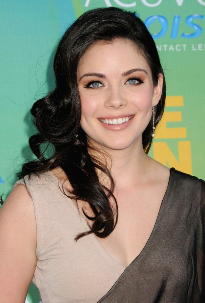 Grace Phipps you are awesome and you are sooo cool and pretty! thanks for following me this made my day wayyyyy better thank you so much <3 your biggest fan Sierra Till :D