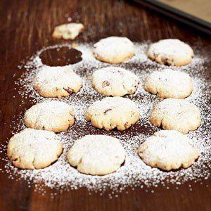 Thomas Keller's Pecan Sandies; 4 ingredients