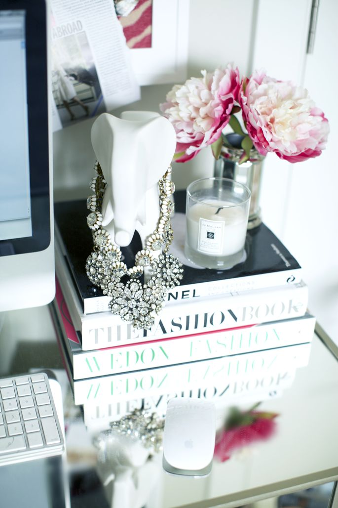 Jewellery stand, Offices and Necklaces on Pinterest