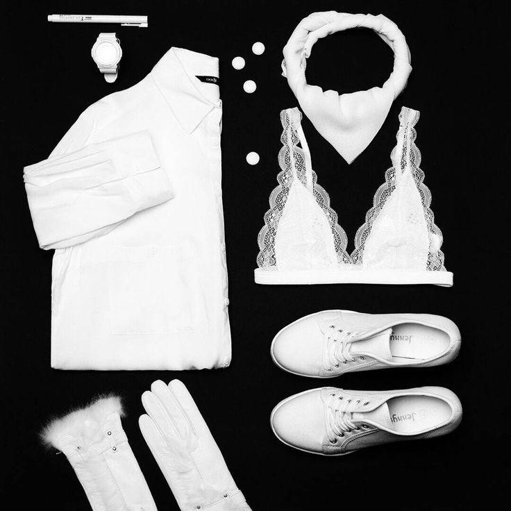 Сногсшибательный комплект белее самого белого снега – он может покорить не только ваше сердце. Лучше продумать до мелочей!😉 Рубашка #oodji OO001EWNBS32 Кеды #Mango MA002AWJGR26 Бюстгалтер #Topshop TO029EWMCG63 Перчатки #Fabretti FA003DWLVL24 Платок #Fete FE009GWLNL28 #lamodaru