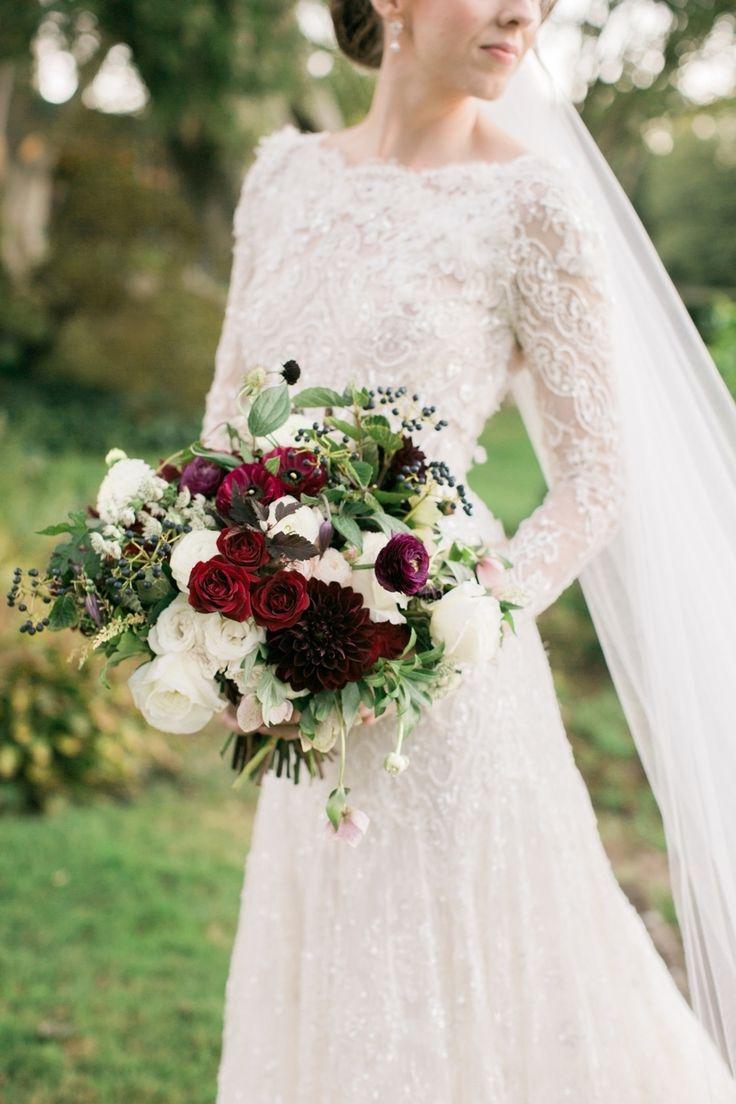 Photography : Rebecca Arthurs   Floral Design : Greenlion Design Read More on SMP: http://www.stylemepretty.com/2016/03/21/elegant-intimate-glen-manor-wedding/