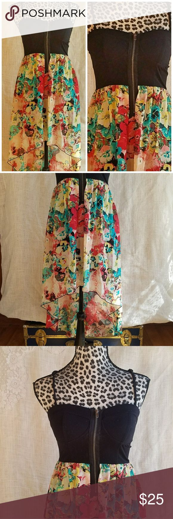 ???? Floral Zip Up Hi Low Summer Dress sz Small Super cute floral high low dress with zip up bodice. Top is stretchy knit, bottom is sheer and flowy. Size small. Material Girl Dresses High Low