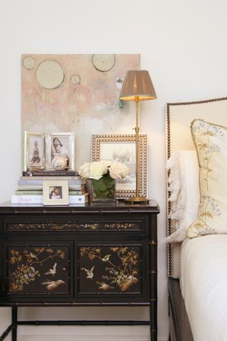 Painting By Sarah Seabolt Interior Design L Green Studios Photography AWH Look BooksGallery
