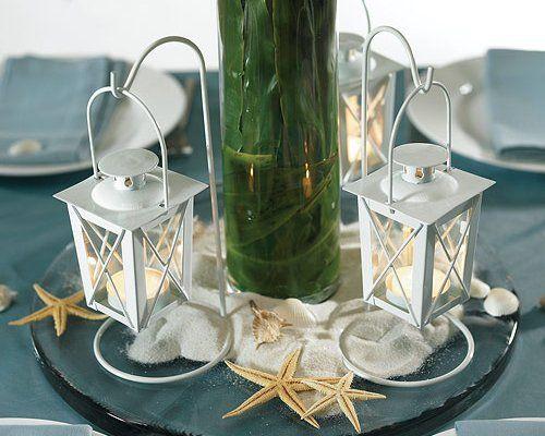 Koselig stemning til bryllupet? Disse Nydelige bryllupslanterner med stativ - får du hos Til Bryllupet. Det er 2 stk. i hver pakke, og de rommer et stk. te-lys hver. Pris er akkurat nå på tilbud til KUN kr 125,-