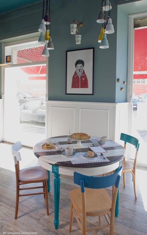 Mesa desayunos en Romeow, restaurante vegano y pastelería, int. Francesco Zarbano • Romeow Cat Bistrot, in Rome