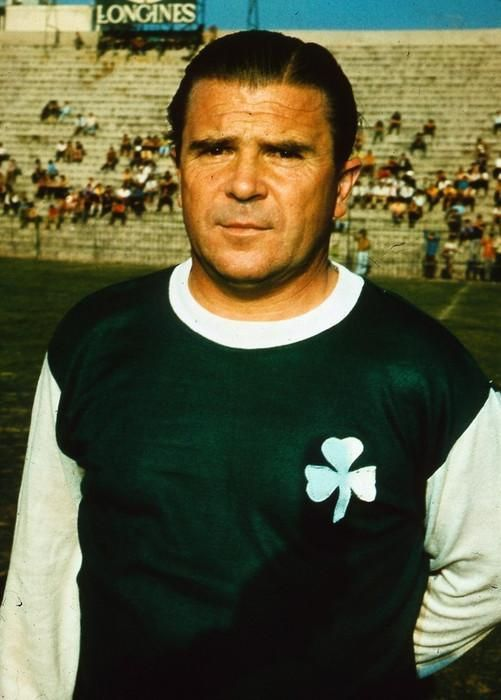 Ferenc Puskas died 8 years ago. Here's a favourite pics of him wearing a Panathinaikos kit when manager there.