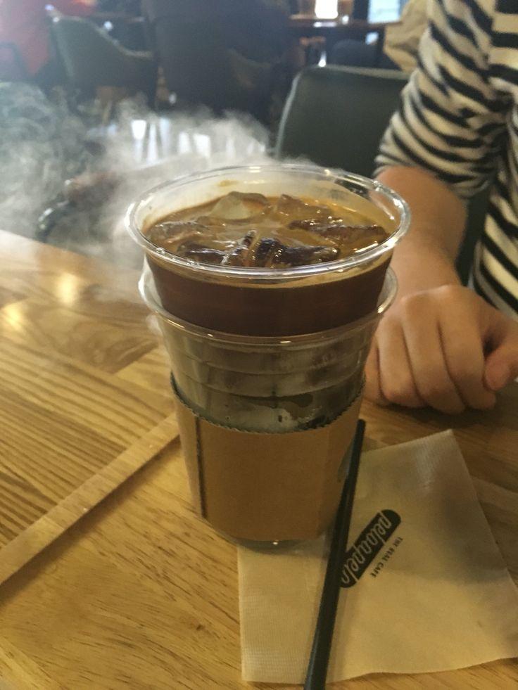 드라이아이스 커피 . 신기하댜