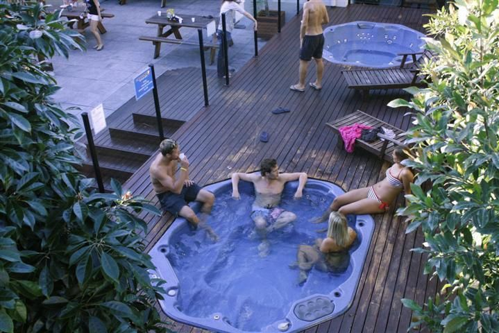 Booking.com: Hostel Nomads Byron Bay Backpackers , Byron $41 nzd p/p p/night in a 4 share room with bathroom