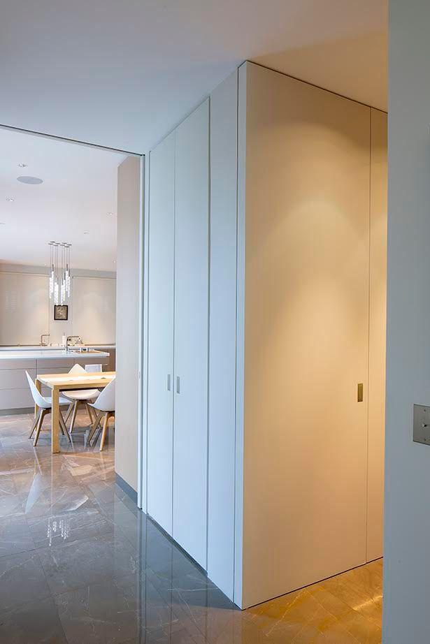 les 25 meilleures id es de la cat gorie portes pivotantes sur pinterest grandes portes des. Black Bedroom Furniture Sets. Home Design Ideas