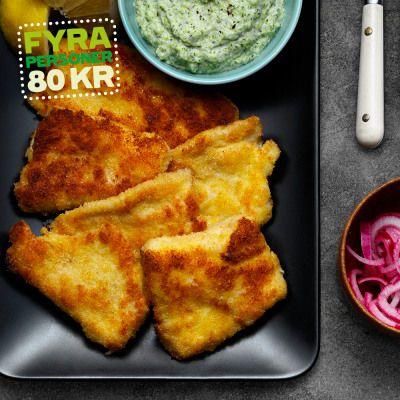 Panerad torsk med broccolipuré och picklad lök