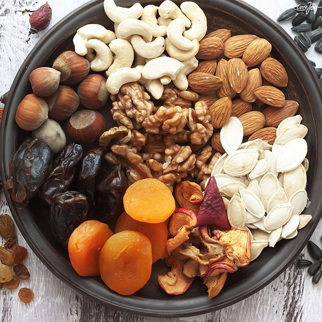 What's your favorite dry fruit? Here, Four major benefits of Dry Fruits ☺ ✔High fiber ✔contains antioxidants ✔Nutrient Density ✔Contains good fat  #dryfruits #fruits  #benefits #almonds #nuts #curejoy #curejoyrecipe