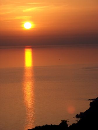 Have you ever seen the sunset from Pelekas? If not, you do not know Corfu #Corfuhotels #hotelsinCorfu #wishyouwerehere #KorfuHotels #corfuboutiquehotels #corfuluxuryhotels #instapassport #neverstopexploring #unlimitedparadise #liveauthentic #picoftheday #nothingisordinary #wanderlust