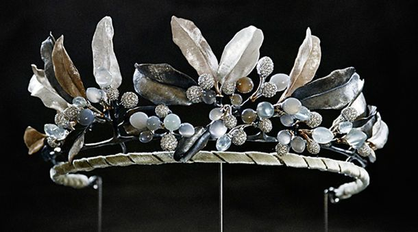 If you have a looooot of money, perhaps the midnight tiara would be put in to your cart