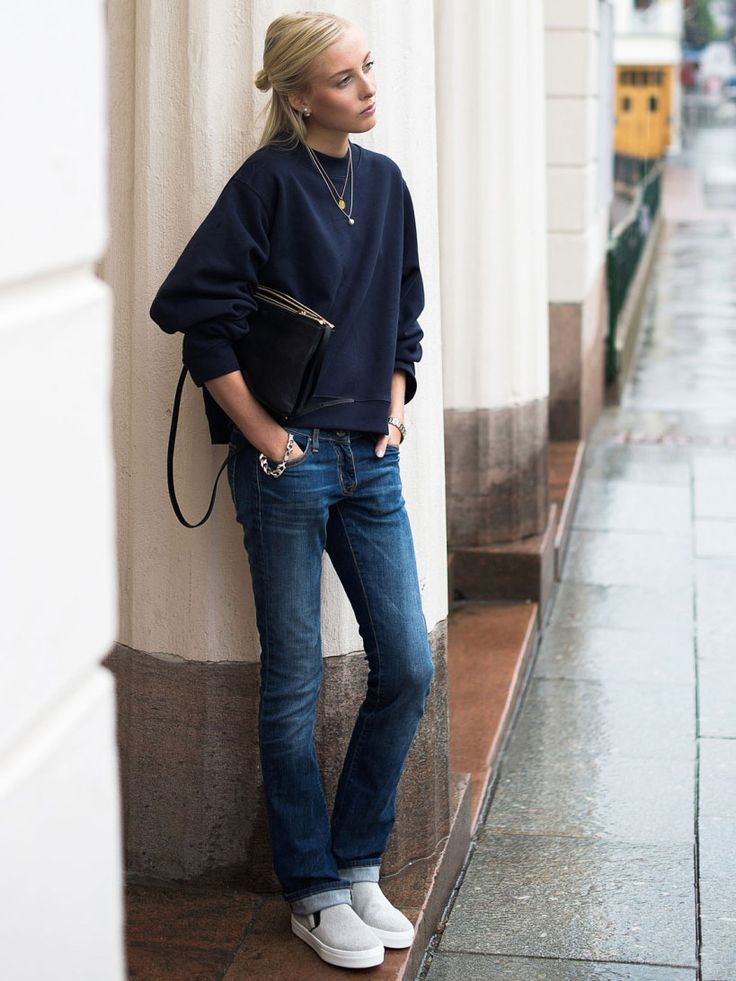 What Jeans To Wear With Blue Shoes