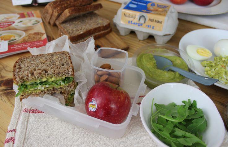 Kosblik  Egg and guacamole sandwich - much healthier than mayo! #kosblik