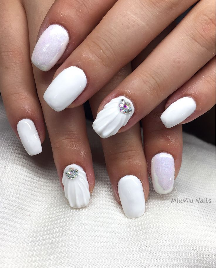 Mermaid powder white gel nails with 3D shell paint