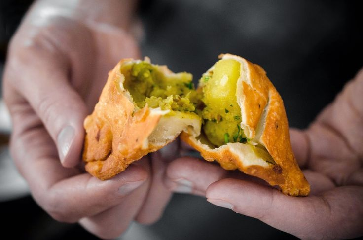 My favourite samosa memory is from my hometown, even though I've had über delicious  ones when I've been away at university as well...