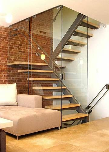 Escada metal e madeira