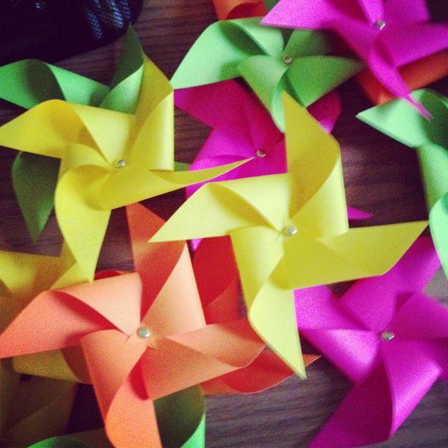 Pinwheel door decs - extremely easy to make!! (April 2013)    pattern: http://stampinbythesea.com/pinwheels/pinwheel-pattern-with-dots