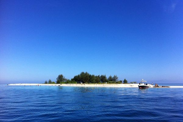 Kodingareng Keke, The Hidden Paradise from South Sulawesi, Indonesia
