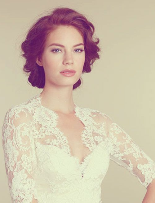 Bridal hairstyle for short hair. Also really like the front of this dress.