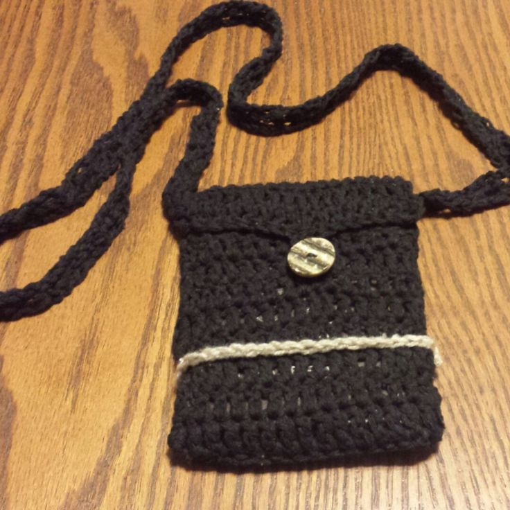 Made this little purse for myself. Perfect summer bag. Great for traveling, carrying your passport and travel document.
