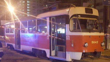 В Павлодаре под колеса трамвая бросился мальчик