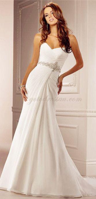 love this wedding dress, perfect for beach wedding