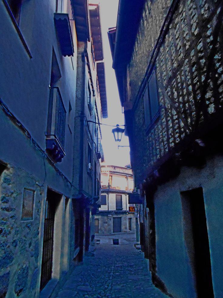 Calle que desemboca en calle Mayor.