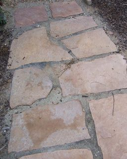 The 2 Minute Gardener: Photo - Flagstone set in Decomposed Granite