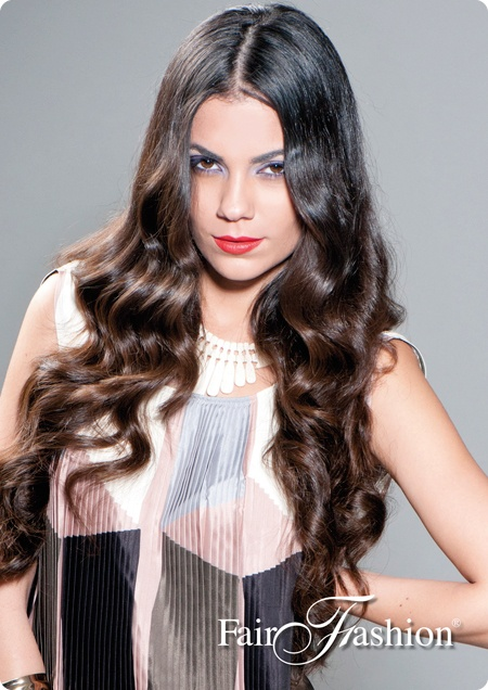 EASY CLIP :  You add volume and lenght in a minute with this 1 piece clip hair extension. Check it out on our site!