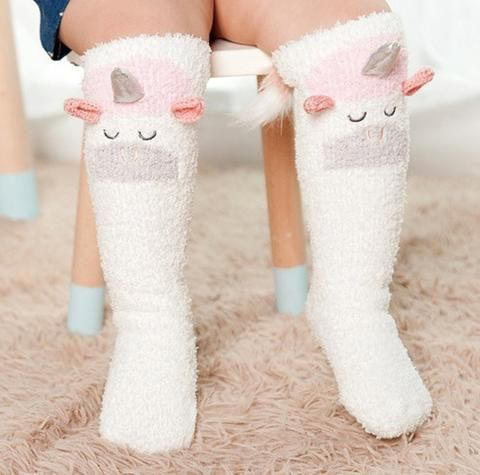 UNICORN » TODDLER SOCKS. First birthday party, unicorn theme party, baby girl socks, baby girl essentials, unicorn baby stuff. The Pine Torch