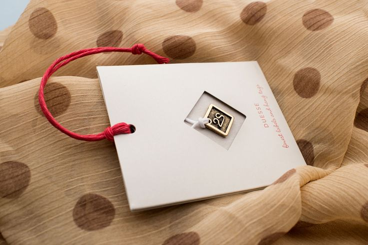 GADGETAG. Metal plate + hang tag = GADGETAG, people will never forget your brand!
