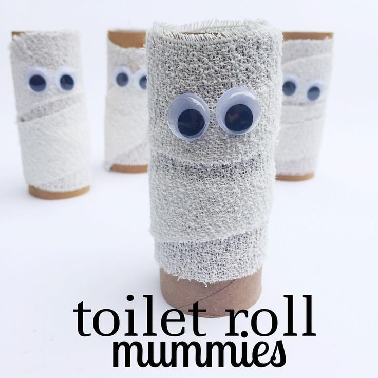 Halloween TOILET ROLL MUMMIES - www.acraftyliving...