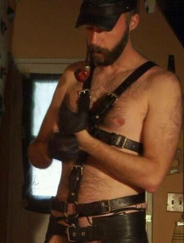 Seems me, Cigar and pipe fetish
