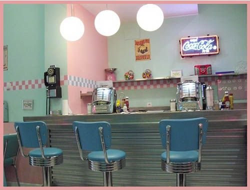 peggy sue 50s style american diner in seville spain diner americaindco vintagestyle des annes - Deco Annee 50 Americaine