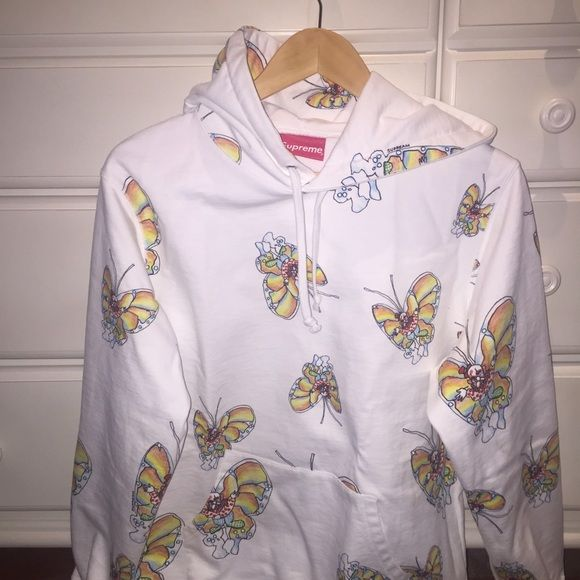 supreme gonz butterfly hooded sweatshirt supreme gonz butterfly hooded sweatshirt. white, size M (cheaper with 🅿️🅿️) Supreme Sweaters Crew & Scoop Necks