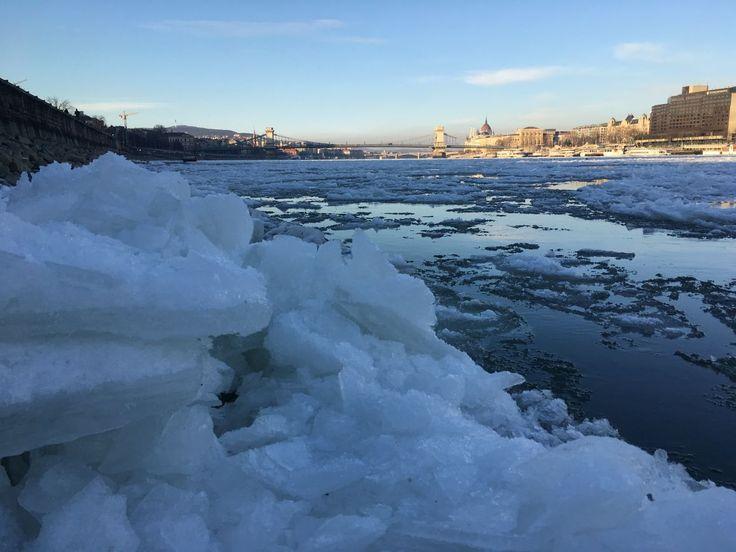Már állni lehet a Duna jegén Budapesten!!4 - 444