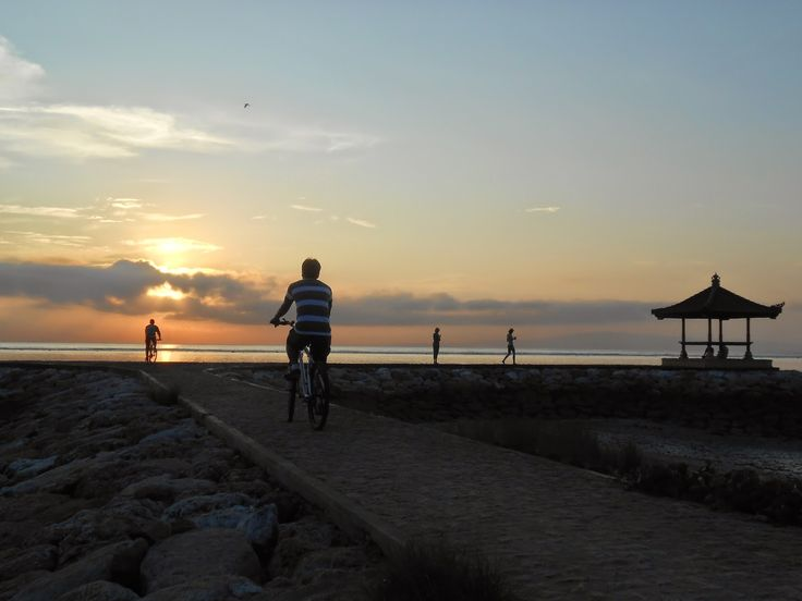 Sepedaan sambil melihat Sunrise di Pantai Sanur - Bali | Rizaltaf.com | Life's for Sharing