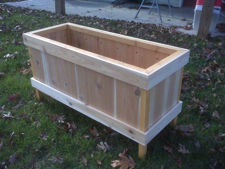 Best 25 cedar planter box ideas on pinterest cedar for Tapered planter box plans