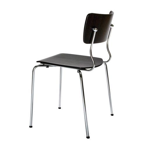 Arena  Piiroinen Arena, een stoel van PLAN@OFFICE ontworpen door Piiroinen.