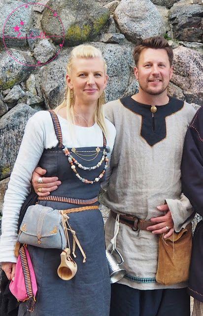 Viikinkipuvut ja asusteet. Viking costumes and accessories.