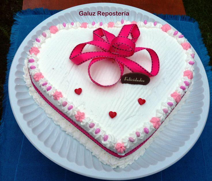 Elige tu sabor favorito de pastel y exprésale lo que sientes #soyromantica