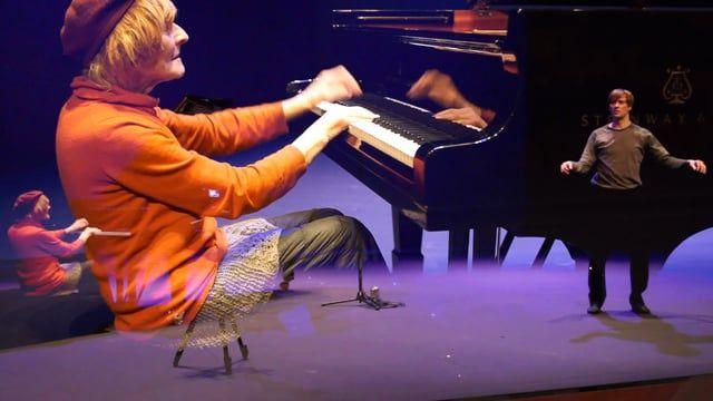 Oleg Nikolaevich Karavaichuk, Symptoma_ concierto performativo  , piano Javier Martín, cuerpo  música contemporánea_ improvisación a nivel de movimiento_  Museo Universidad de Navarra, Pamplona jueves 11 de febrero de 2016