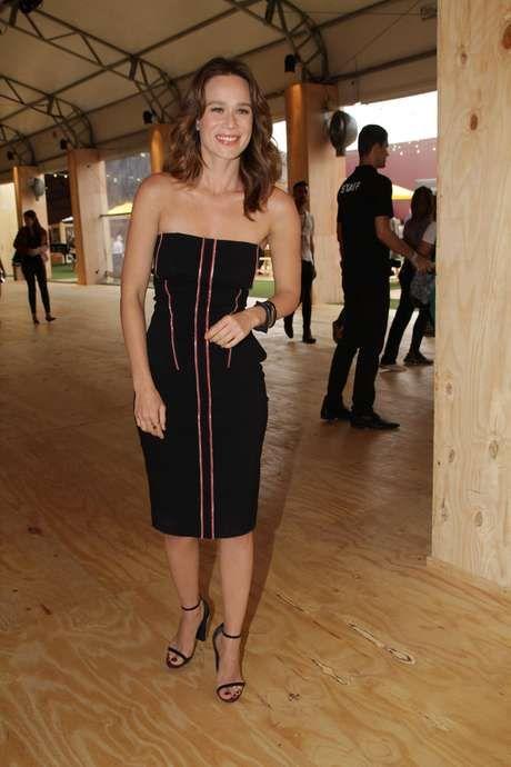 """""""Gosto do estilo sensual e elegante"""", diz Mariana Ximenes. E você, de qual estilo gosta? #SPFW"""