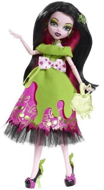Monster High Story SCARY TALES Snow Bite Draculaura Doll